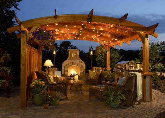 cedar-pergola-curved-night