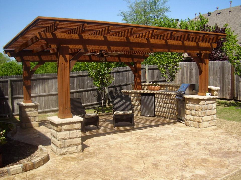 outdoor-kitchen-in-a-pergola