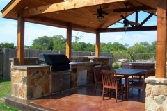 Outdoor-Kitchens-gabled