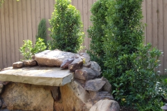 natural-stone-feature-poolside